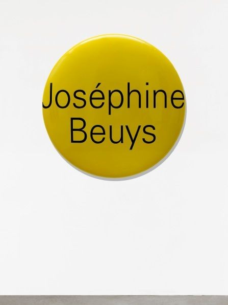 Representation of Portrait Grandeur Nature (Joséphine Beuys)